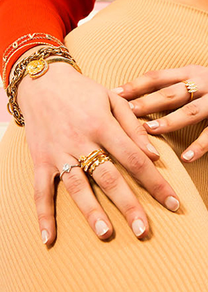 Bagues et bracelets dorés et argentés Mya Bay