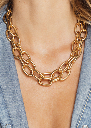 Jewels big chains gold shirt jeans neck MYA BAY
