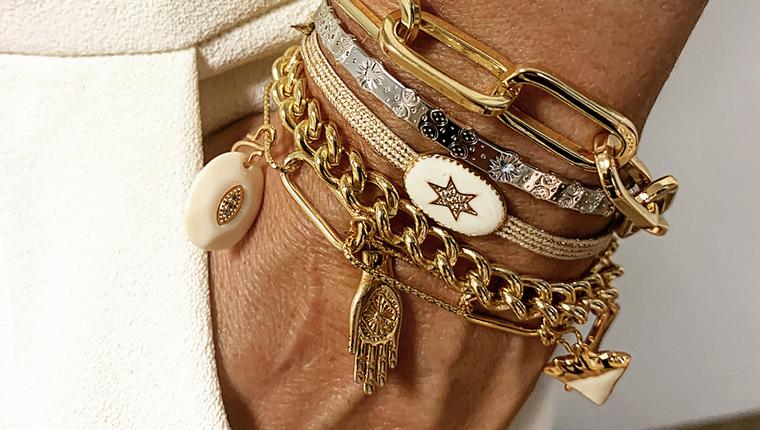 Category pimp bracelet